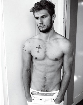 hot-alex-pettyfer-tattoo-Favim.com-Alex Pettyfer hot naked shirtless photo shoot tattoo rare pecs muscle