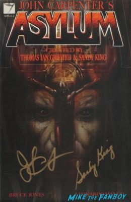john carpenter signed autogaph the thing poster john carpenter gold apple autograph signing asylum comic book 023