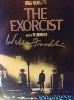 william friedkin signed autograph the exorcist dvd cover rare promo William Friedkin signing autographs for fans dark delicacies rare promo