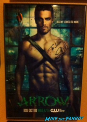 arrow cast signed autograph poster rare wondercon rare stephen amell fan photo signing autographs arrow autograph signing stephen amell rare sexy fine rare promo