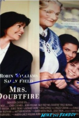 robin williams signed mrs. doubtfire poster  robin williams autograph signed rare robin williams signed good will hunting psoter