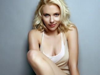 Scarlett Johansson hot sexy nude photo esquire magazine photo rare promo