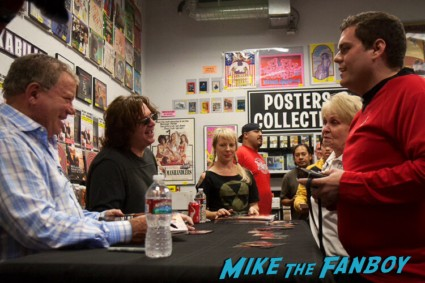 william shatner signing autographs william shatner cd signing ameoba music