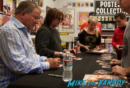 william shatner signing autographs william shatner cd signing ameoba music