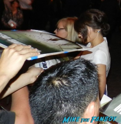 lauren cohen signing autographs the walking dead season 4 premiere red carpet norman reedus hot 152