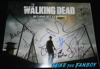 the walking dead signed autograph season 4 poster rare andrew lincoln emily kinney the walking dead season 4 premiere red carpet norman reedus hot 175