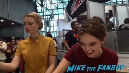 vampire academy autograph signing hot sexy nycc 2013 (8)