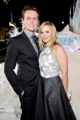 frozen world movie premiere kristen bell
