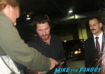 Christian Bale signing autographs for fans hot rare