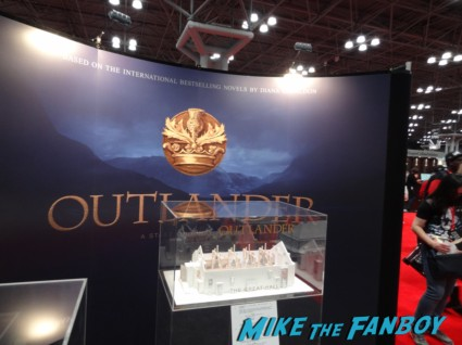outlander Booth signing Haven cast at nerd machine rare Zach and Arthur nerd machine operation smile press photo Elizabeth Ian D.C agents of shield signing Don't touch Lola Lola - interview Stan Lee autograph signing Lola 3 NYCC 2013 loves you banner