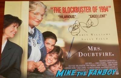 Robin Williams signed autograph poster 2