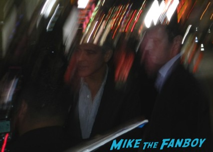 george clooney signing autographs at afi august osage county screening george clooney signing autogra 010