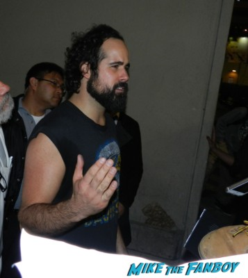 Ronnie Vannucci, Jr. signing autographs jimmy kimmel live 2013 020