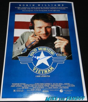 robin williams signed autograph good morning vietnam movie poster