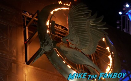 hunger games catching fire los angeles premiere jennifer lawrence josh hutcherson (1)