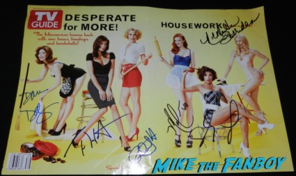 desperate housewives signed autograph TV Guide magazine cover nicollette sheridan teri hatcher eva longoria marcia cross Meeting Nicollette Sheridan signing autographs for fans
