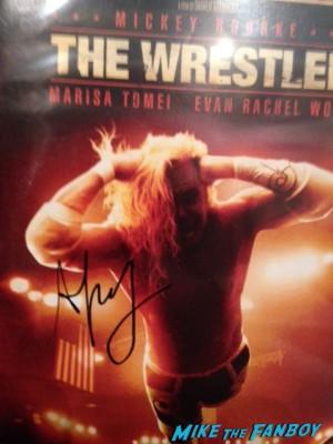 darren aronofsky signed the wrestler dvd cover mickey rourke the wrestler rare promo photo