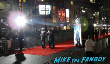 thor dark world movie premiere red carpet chris hemsworth 001