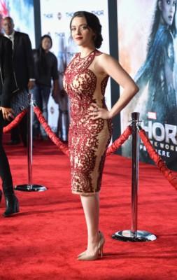 thor the dark world movie premiere arrivals red carpet chris hemsworth (5)