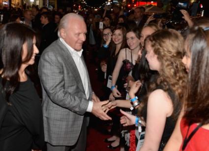 thor the dark world movie premiere arrivals red carpet chris hemsworth (69)