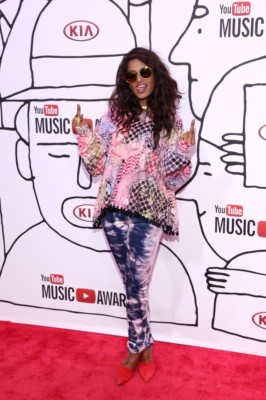 MIA at youtube awards with skylar grey lady gaga red carpet (11)MIA