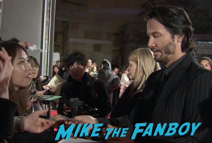 47 Ronin Japanese movie premiere keanu reeves signing autographs 20
