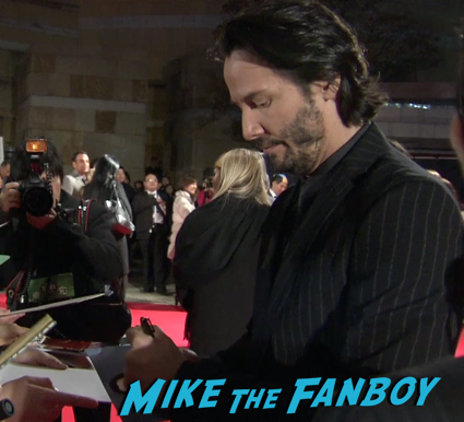 47 Ronin Japanese movie premiere keanu reeves signing autographs 21