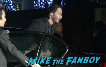 47 Ronin Japanese movie premiere keanu reeves signing autographs 4