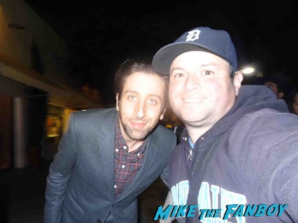 Simon Helberg signing autographs for fans