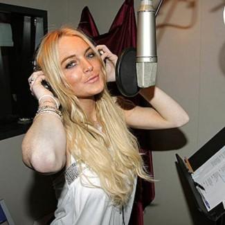 Lindsay Lohan_singing