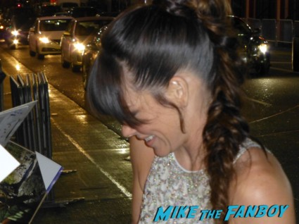 Evangeline Lilly signing autographs for fans rare
