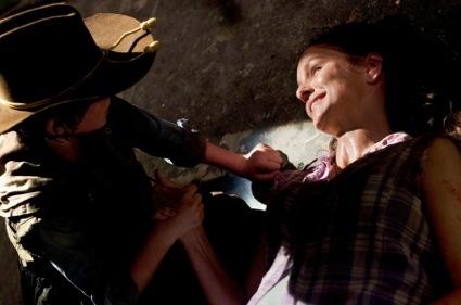 Lori grimes dying on the walking dead amc sarah wayne callies