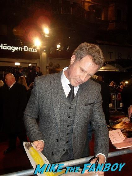 will ferrell signing autographs anchorman 2 uk movie premiere will ferrell signing autographs4