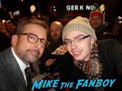 steve carrell signing autographs anchorman 2 uk movie premiere will ferrell signing autographs4