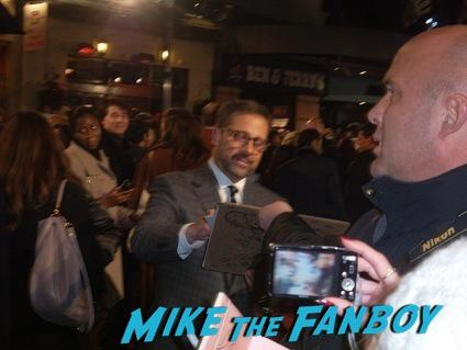 steve carrell signing autographs anchorman 2 uk movie premiere will ferrell signing autographs4