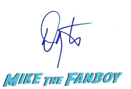 autograph signing nice celebrities best signers1