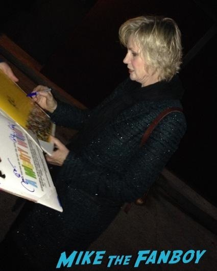 jane lynch signing autographs for fans glee rare