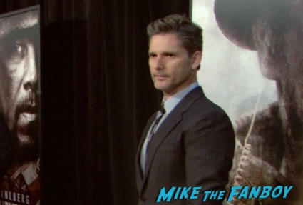 eric bana at the lone survivor ny world premiere red carpet mark wahlberg (1)