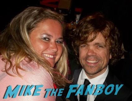 Peter Dinklage signing autographs meeting the cast of elf signing autographs14