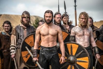 clive standen shirtless vikings season 2 sneak peak1