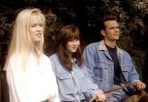 90210 cast photo rare team kelly
