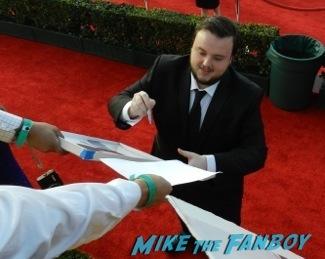 Celebrities Signing Autographs 2014 sag awards22
