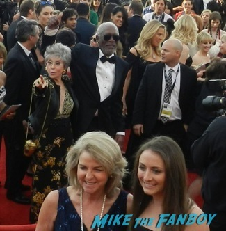 Celebrities Signing Autographs 2014 sag awards57