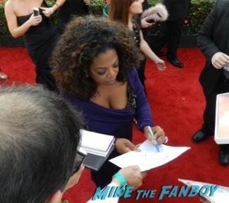 tom hanks signed money pit poster Celebrities Signing Autographs 2014 sag awards103