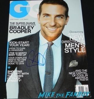 bradley cooper signed gq Celebrities Signing Autographs 2014 sag awards86