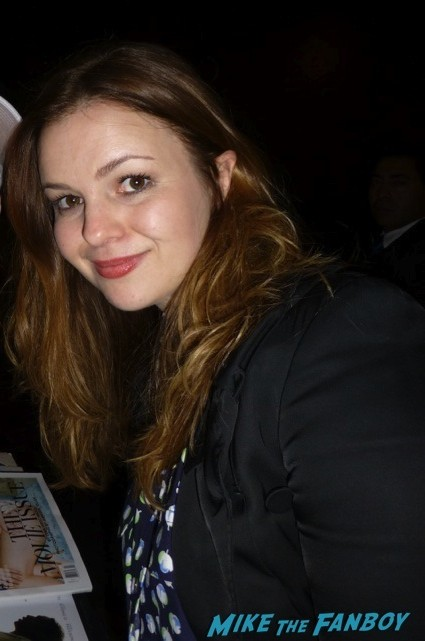 Amber Tamblyn signing autographs