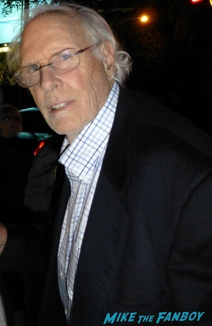 Bruce Dern signing autographs