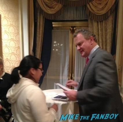 Downtown Abbey Cast Signing Autogaph Hugh Bonneville Michelle dockery15