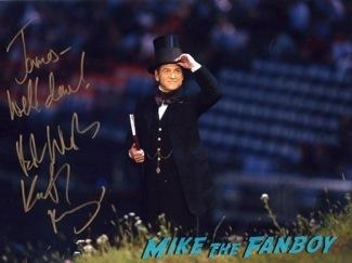 Jack Ryan UK Premiere Kiera Knightly signing autographs chris pine14