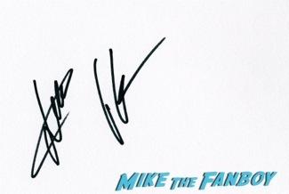 Jack Ryan UK Premiere Kiera Knightly signing autographs chris pine18